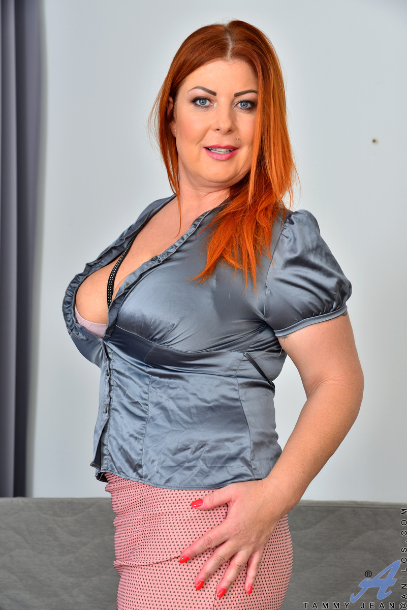 Redhead Milf Tammy Jean Shows Off Her Natural Big Boobs At Anilos