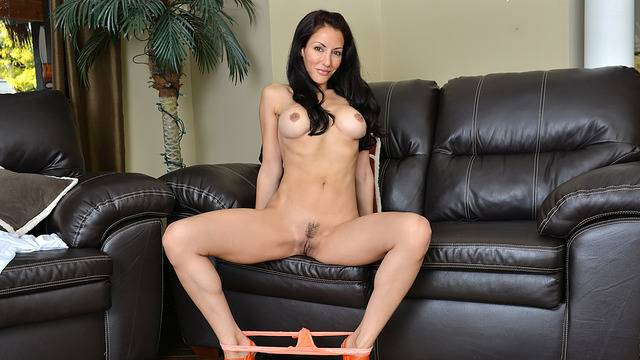 Sexy MILF Olivia Bell showing her shaved pussy at Anilos