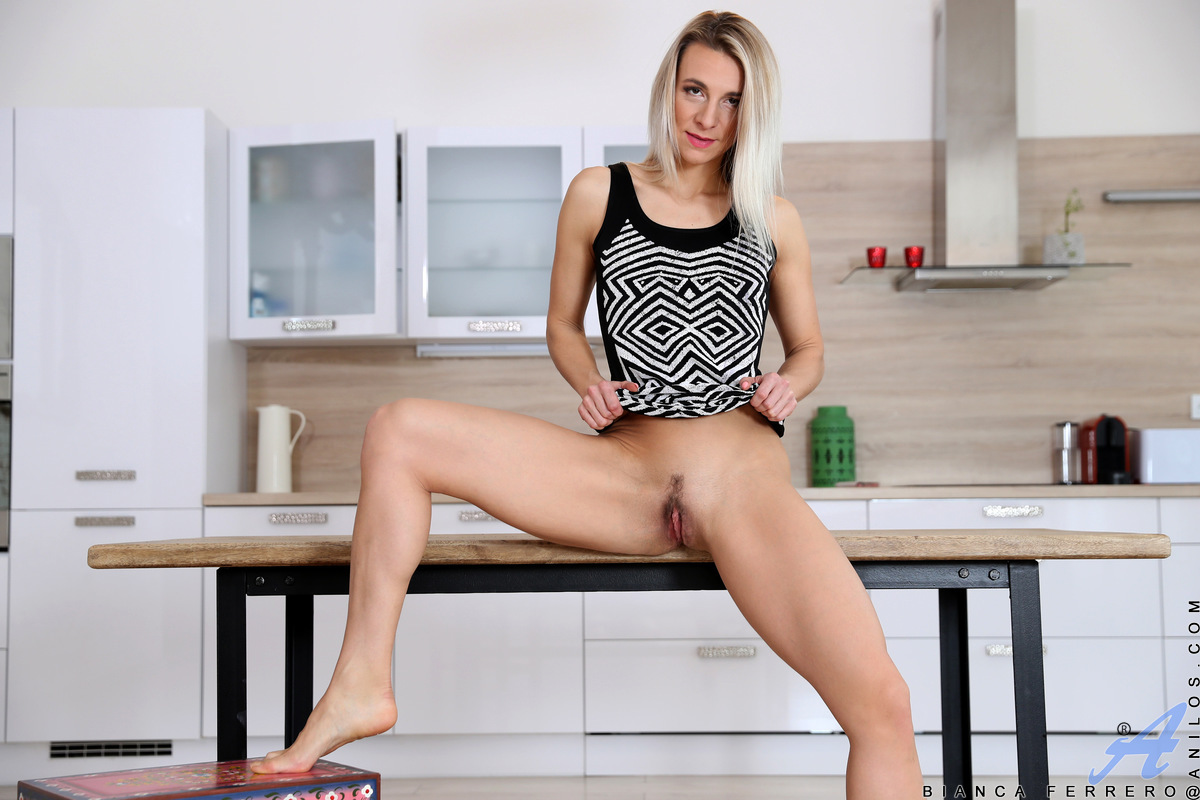 Blonde Mature Housewife Bianca Ferrero Shows Off Her Perfect Naked Body At Anilos