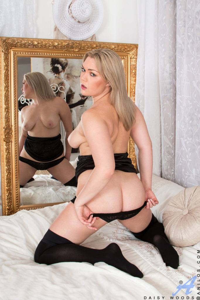 Blonde Housewife Daisy Woods Palying With Her Shaved Pussy On The Bed At Anilos