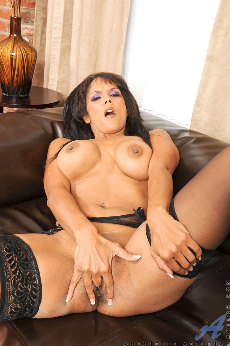 Desirable Cougar Anjanette Astoria Fingers Her Pussy Doggy Style At Anilos