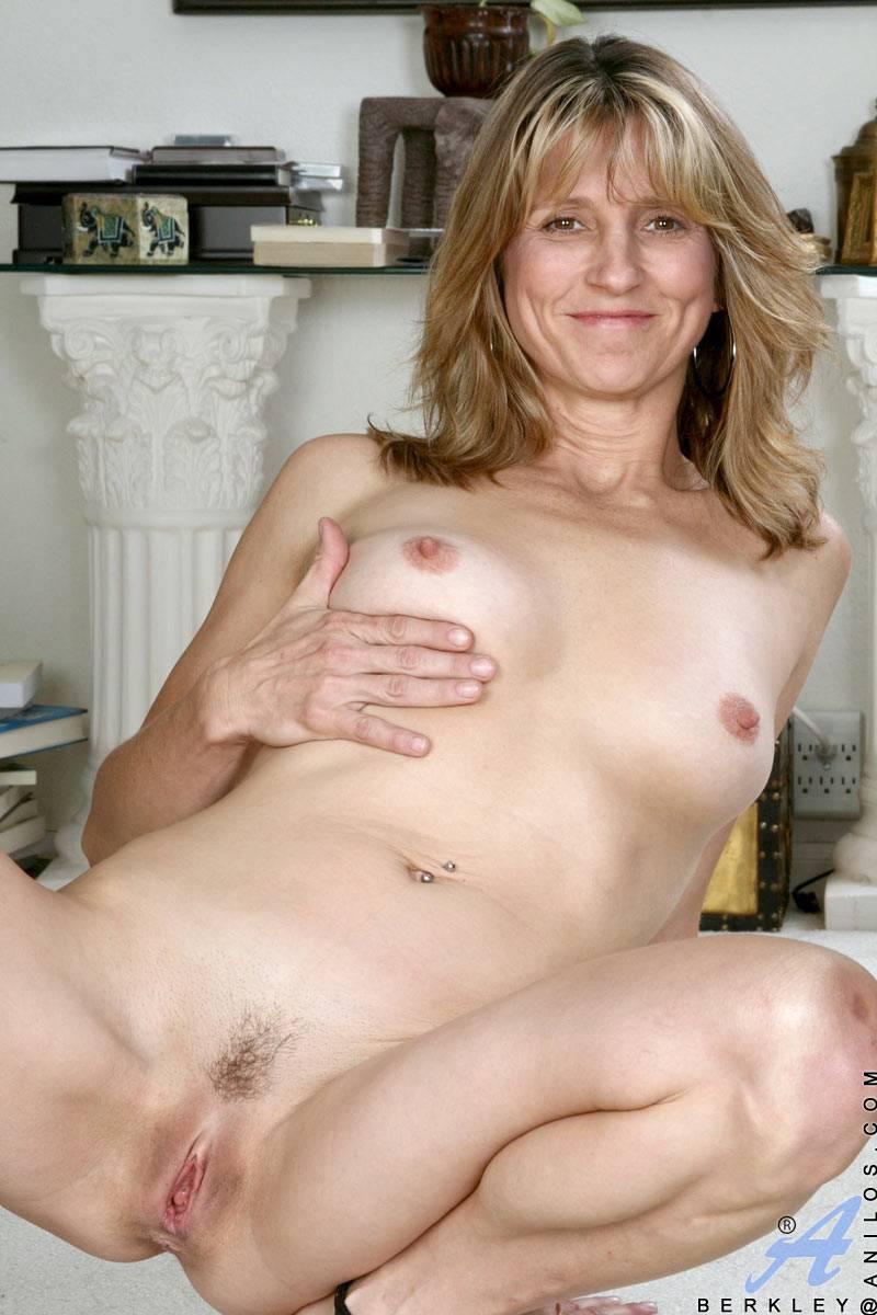 Mature ladies sex and milf pics