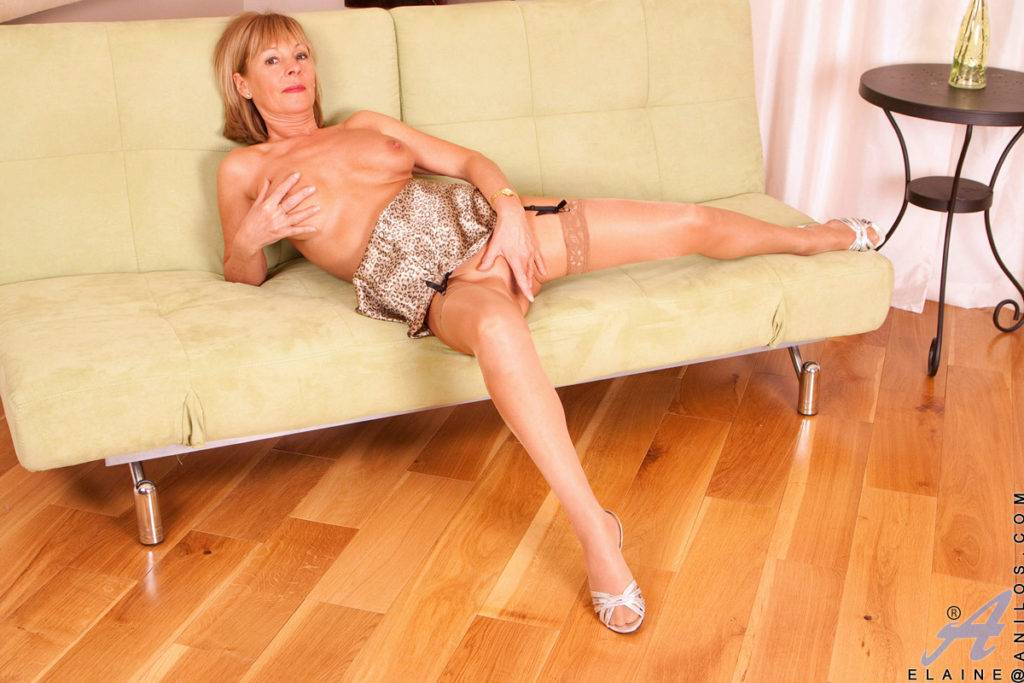 Busty Blonde Cougar Elaine Finger Bangs Her Shaved Pussy At Anilos