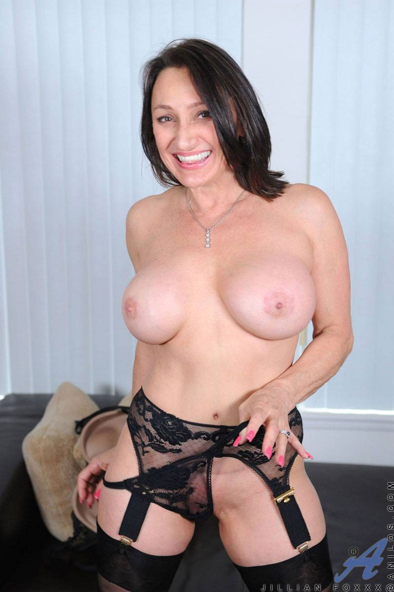 Jillian Foxxx flaunts her curvy body in a bra and thong set at Anilos