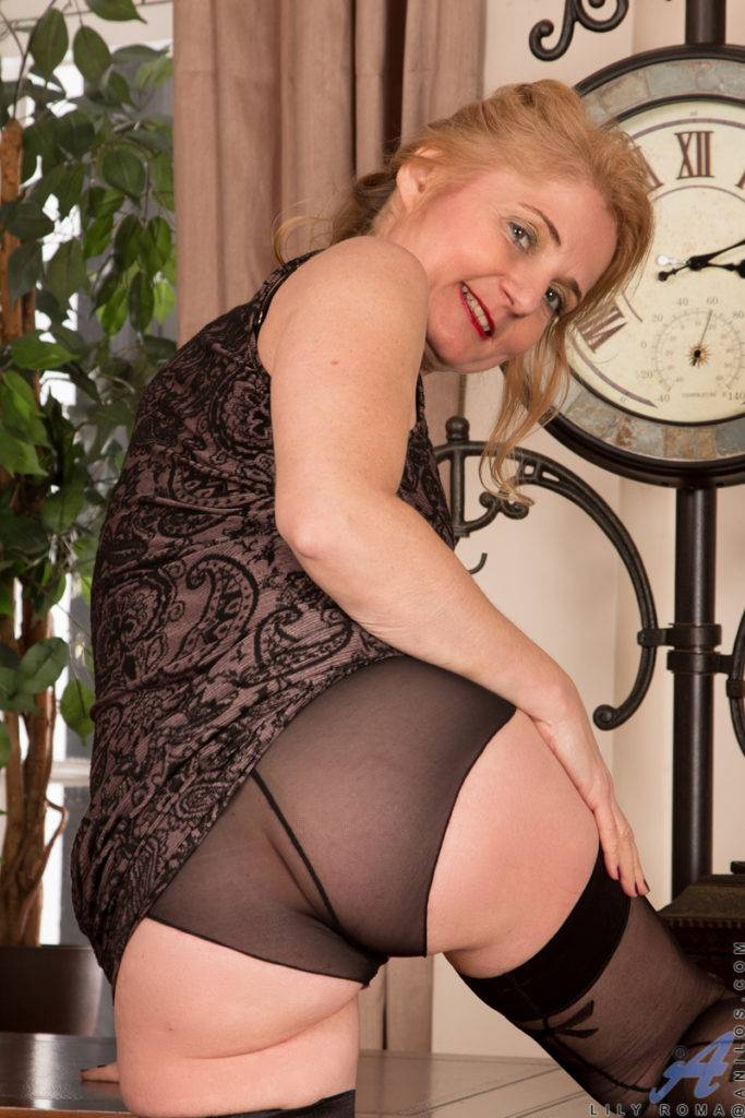 Older Mature Lily Roma Playing With Herself At Anilos
