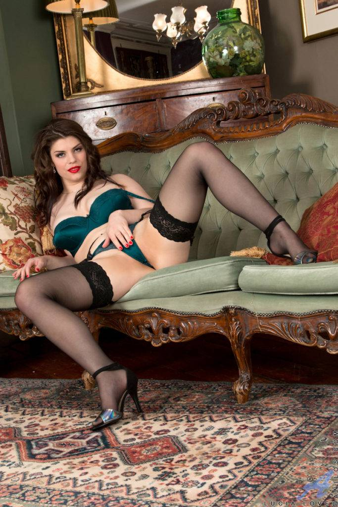 Brunette Mature Housewife Lucia Love Gets Off On Dressing At Anilos