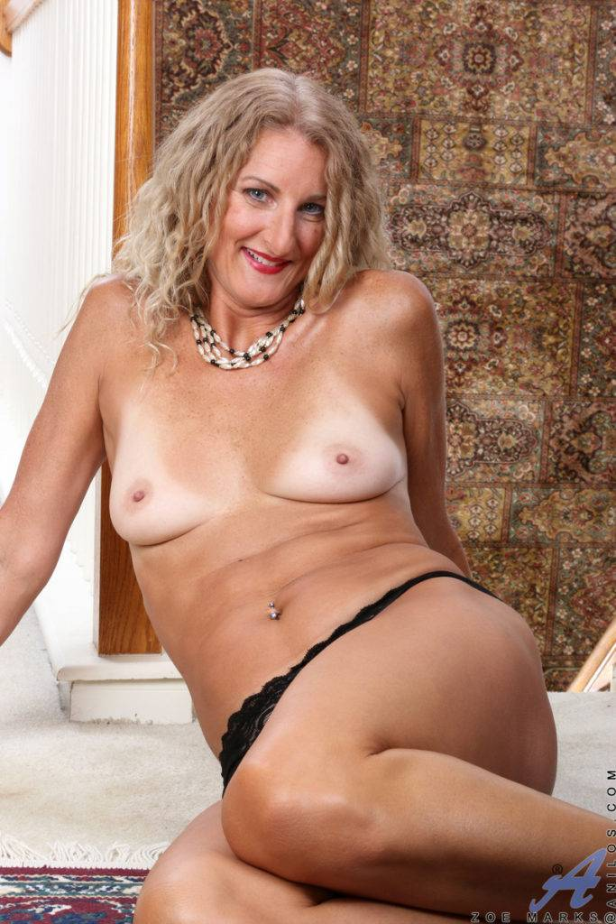 Blonde Zoe Marks Shows Off Her Mature Pussy At Anilos