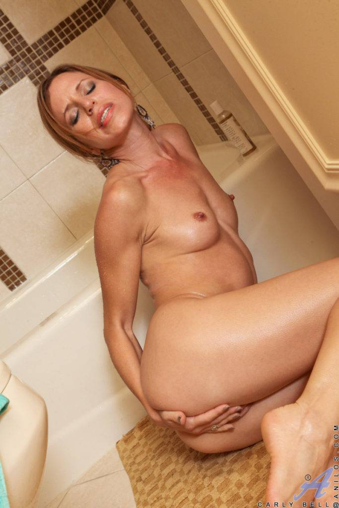 Sexy Babe Carly Bell Gets Ready To Jump In The Shower Naked At Anilos