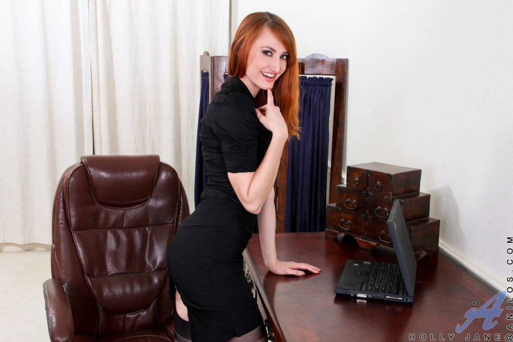 Sexy Redhead Milf Holly Jane Playing Her Pussy In The Office At Anilos