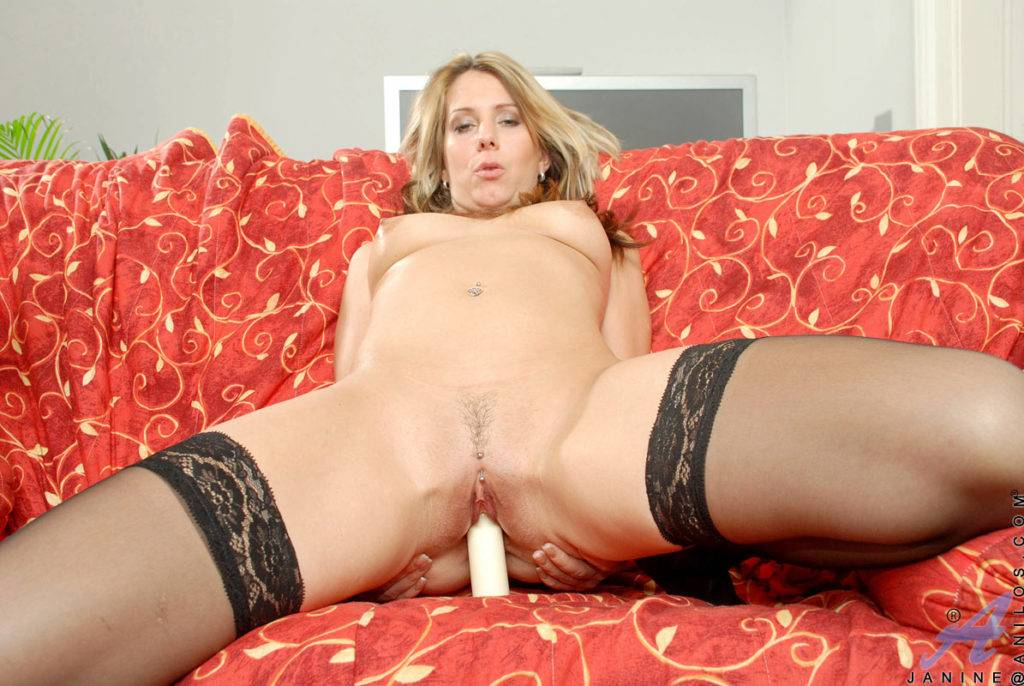 Hot Milf Janine Just Sucking And Fucking At Anilos