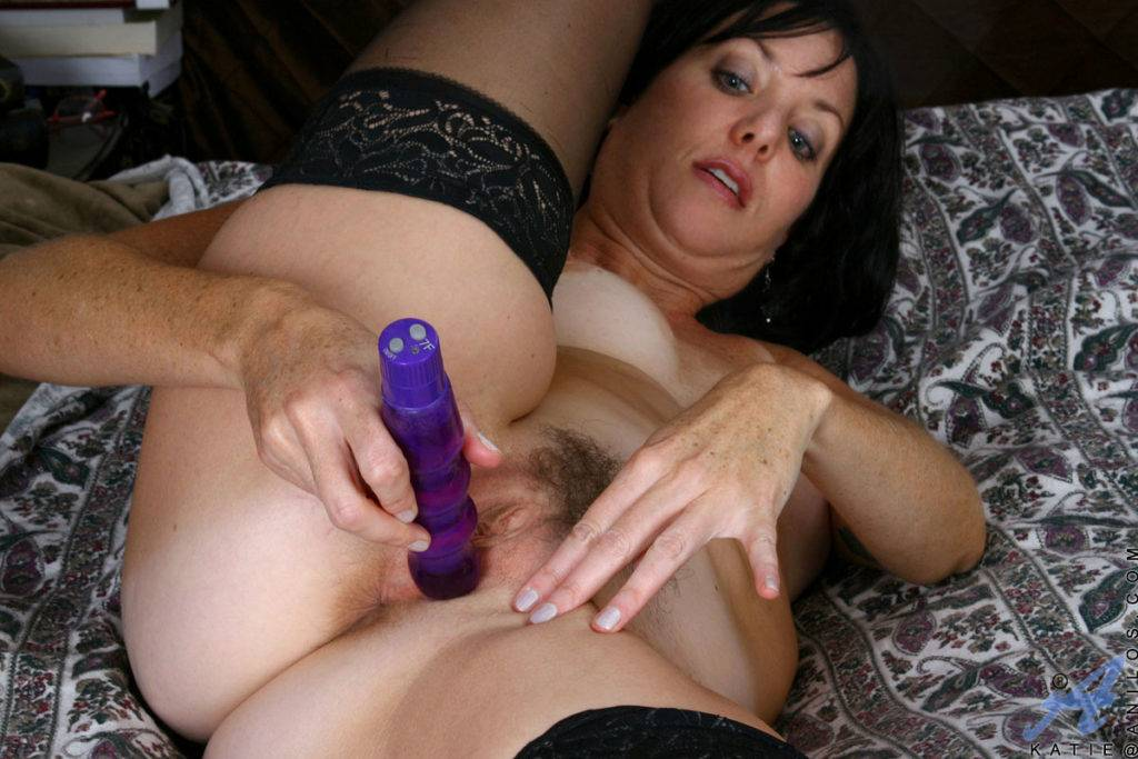 Horny Milf Playing With Her Shaved Pussy At Anilos