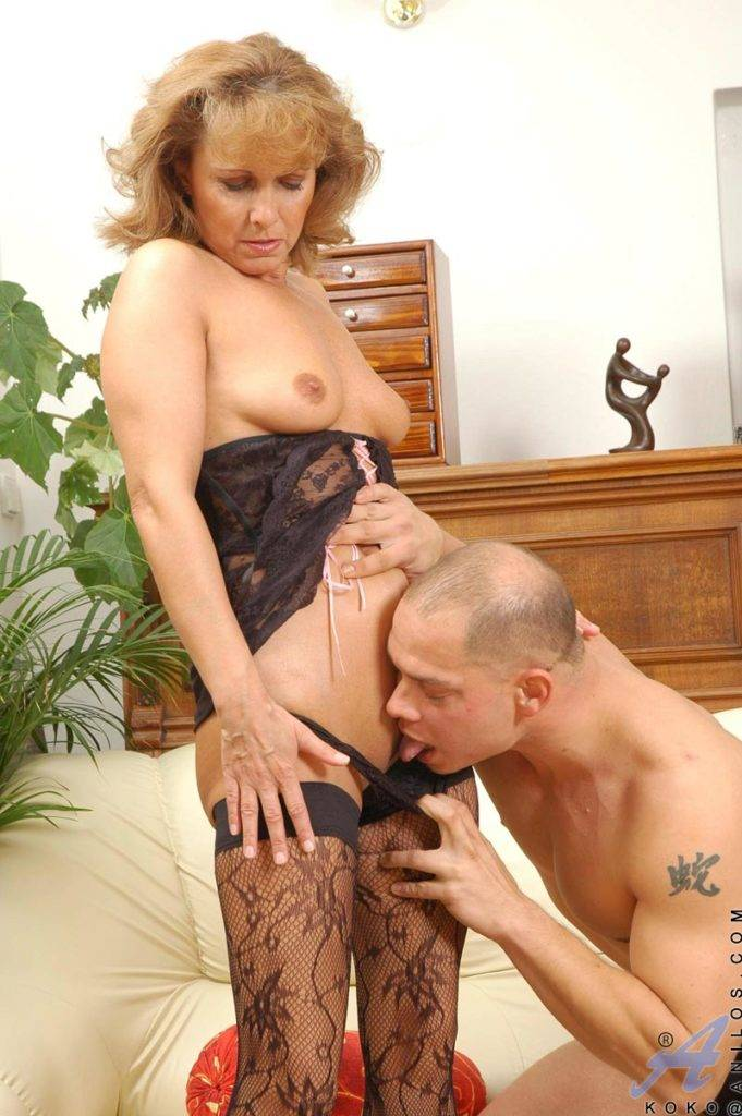 Mature Koko Playing With Her Toy Boy At Anilos