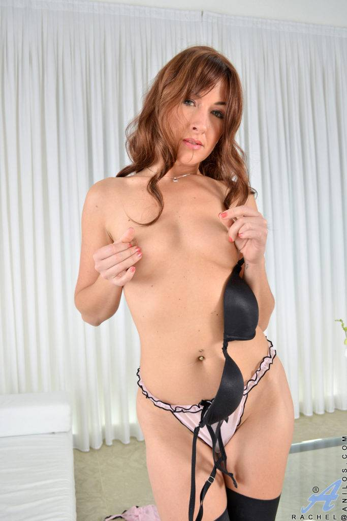 British Mom Rachel Shows Off Her Shaved Pussy At Anilos