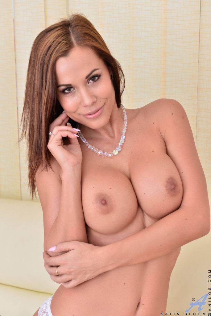 Extotic Babe Satin Bloom Playing With Her Sweet Pussy At Anilos