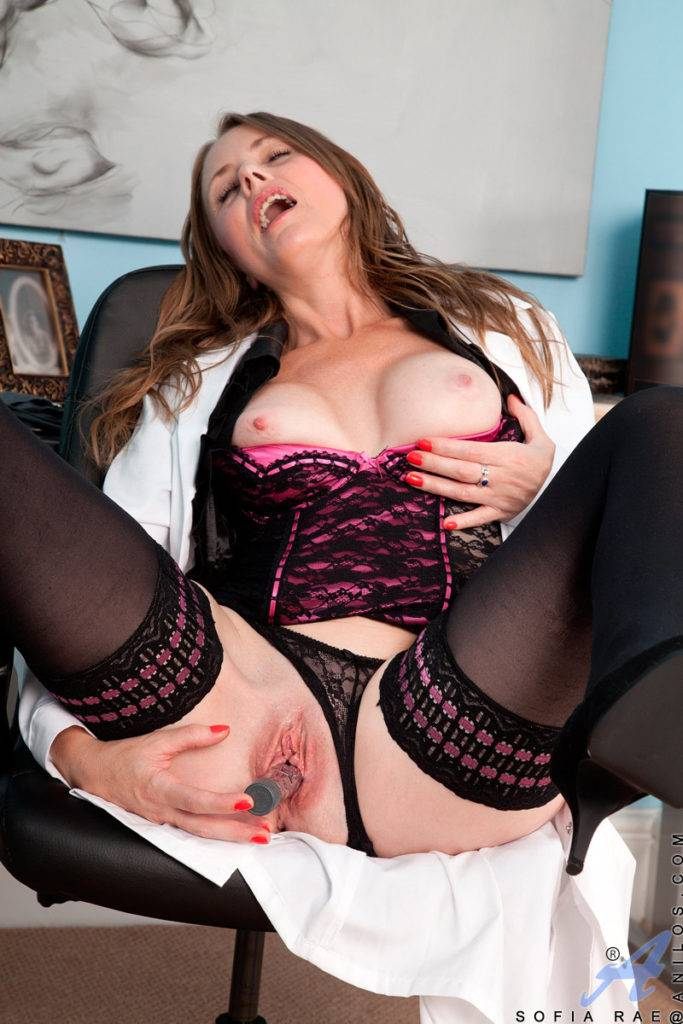 Big Tit Brunette Milf Sofia Rae Wearing Lingerie And Stockings Gives Herself An Exam In The Office At Anilos
