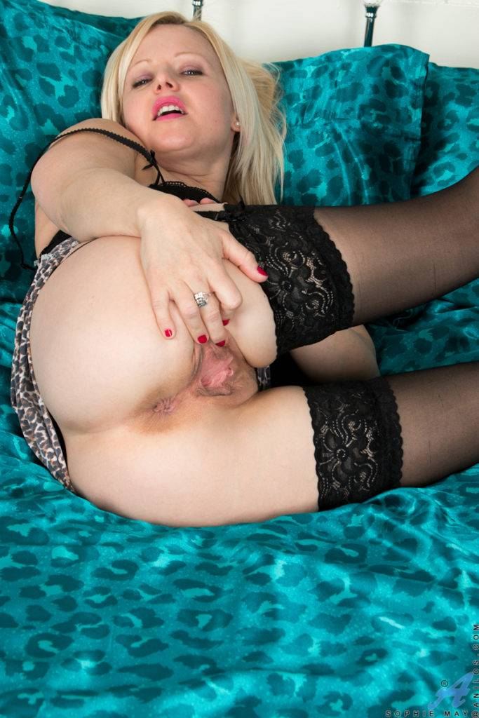 Blonde Housewife Sophie May Shows Off Her Shaved Pussy At Anilos