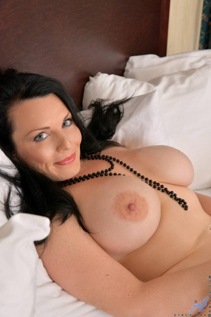 Sexy Cougar Stacy Ray Shows Off Her Shaved Pussy At Anilos