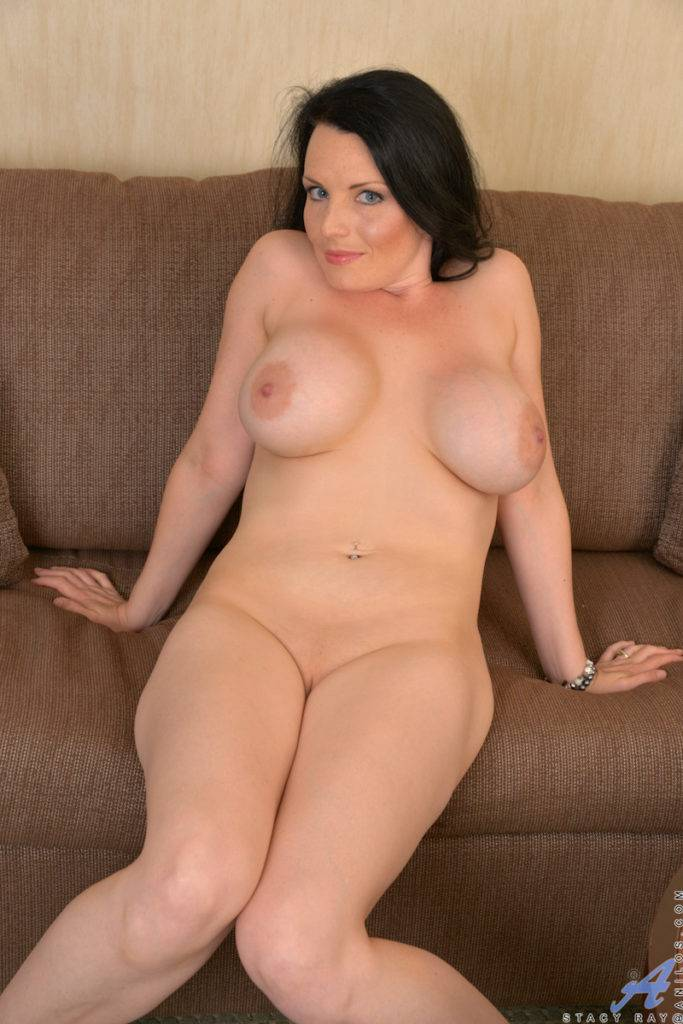 Canadian Housewife Stacy Ray Shows Off Her Pink Pussy At Anilos