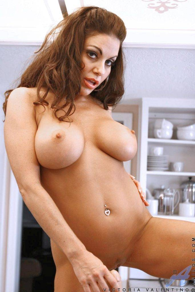 Busty Milf Victoria Valentino Playing With Her Toy At Anilos