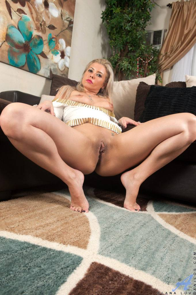 American Mom Alana Luv Is Always Looking To Get Laid At Anilos