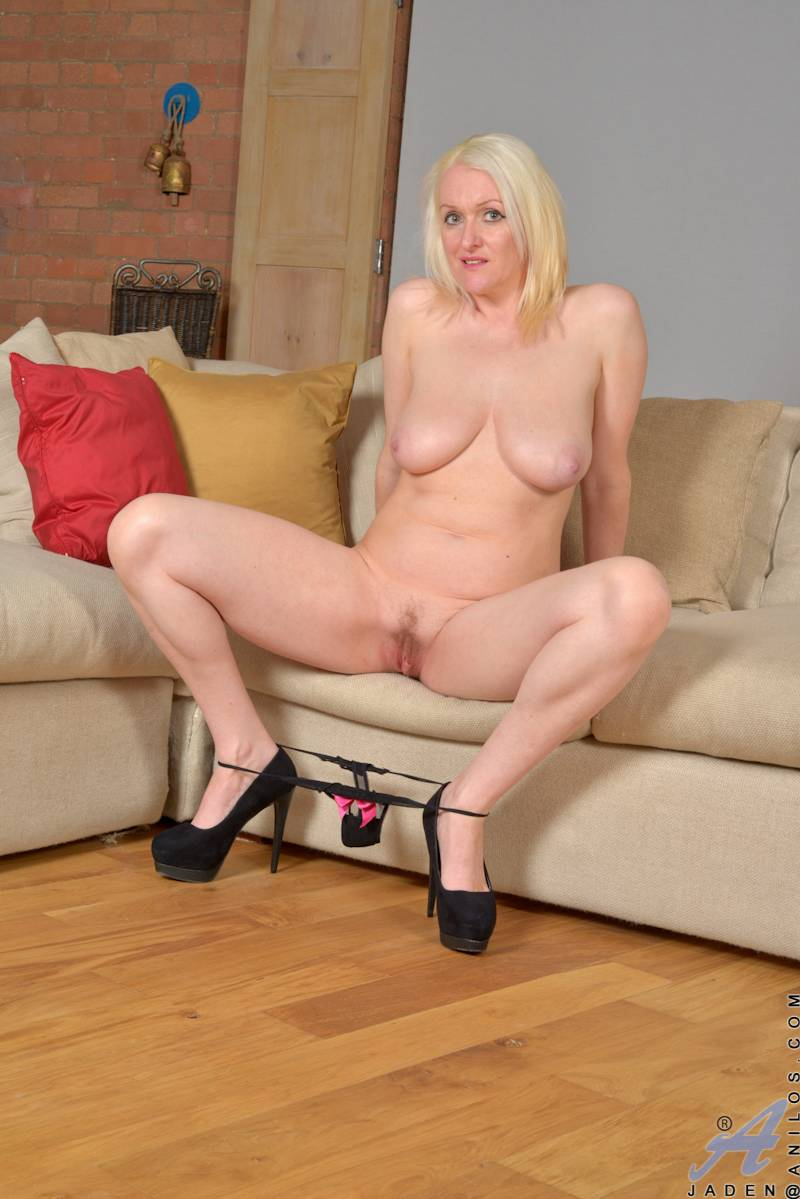 British blonde MILF Jaden is looking sexy at Anilos