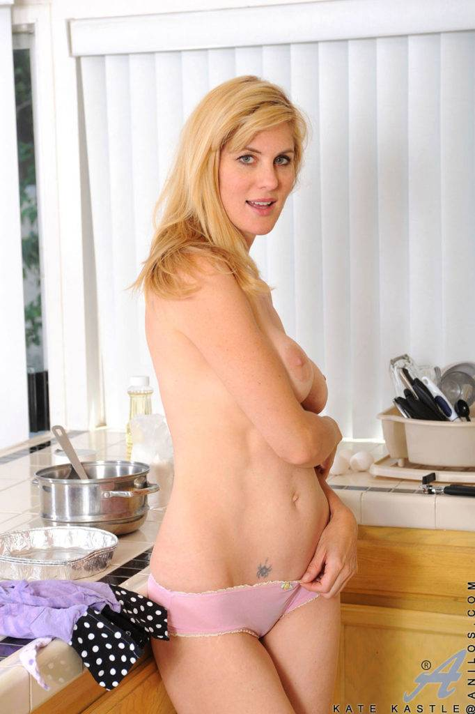 Cougar Beauty Kate Kastle Fucks Herself On The Kitchen At Anilos