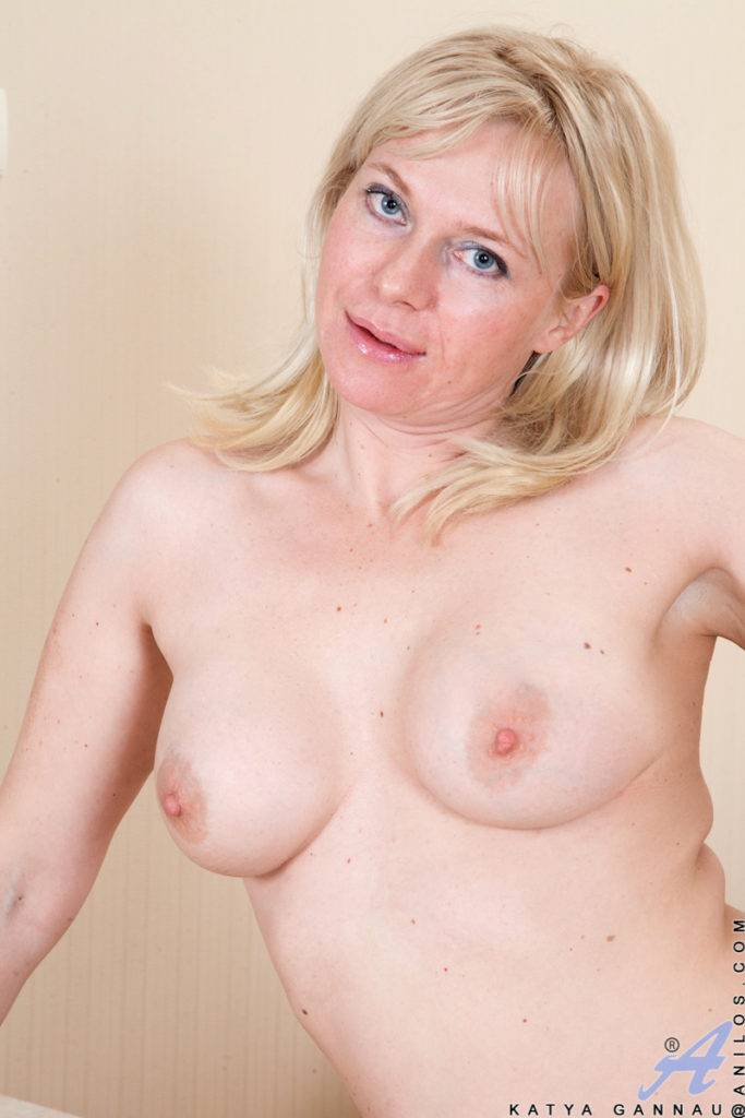 Super Sexy Katya Gannau Shows Off Her Shaved Pussy In The Kitchen At Anilos